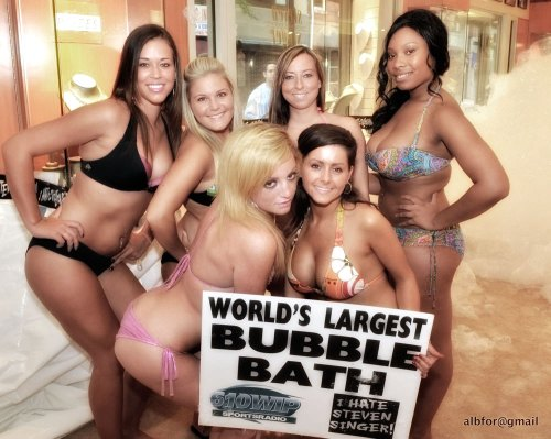 First Girls team of the World's Largest Bubble Bath