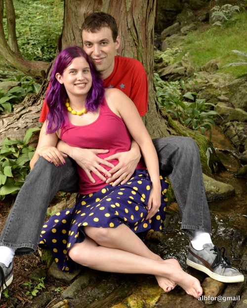 "Rachel and Tony sitting near a ""Stream""_DSC5448"