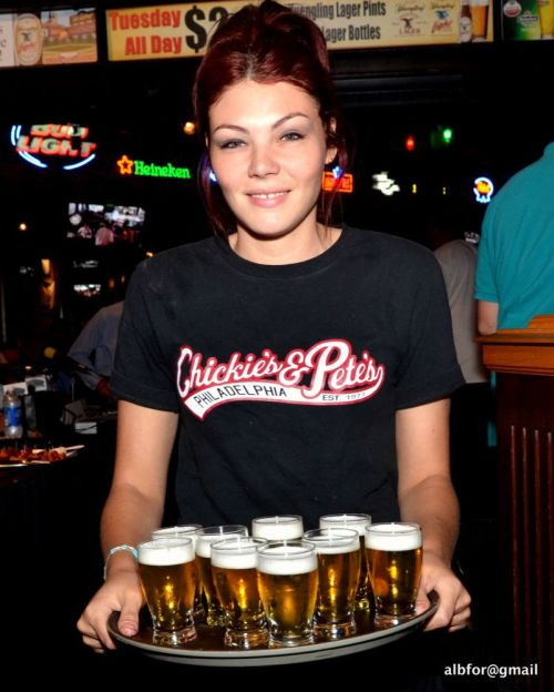 Chickie's and Pete's Beer girl DSC_1021