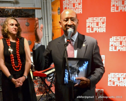 Oct 13, 2011 Mayor Nutter with the Design Champion Award