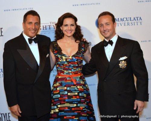 Oct 14, 2011 John Kushnir, Carla Gugino & John Colabelli DSC_6398