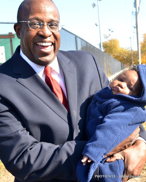 Nov 12, 2011 Judge Jimmie Moore with baby (Noah)