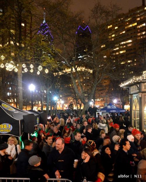 Nov 30, 2011 Rittenhouse Square Tree Lighting DSC_2157