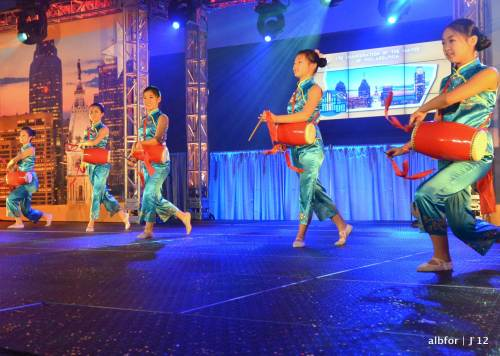 Jan-2,-2012-Sheng-Yung-Chinese-Dancers-Minghijo-Fan-Dance-7774
