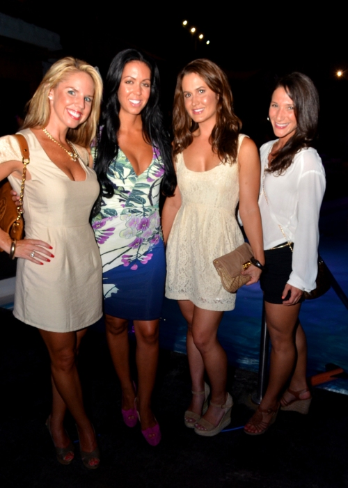 north shore mature women personals Find meetups in chicago, illinois about singles and meet people in your local community who share your interests.