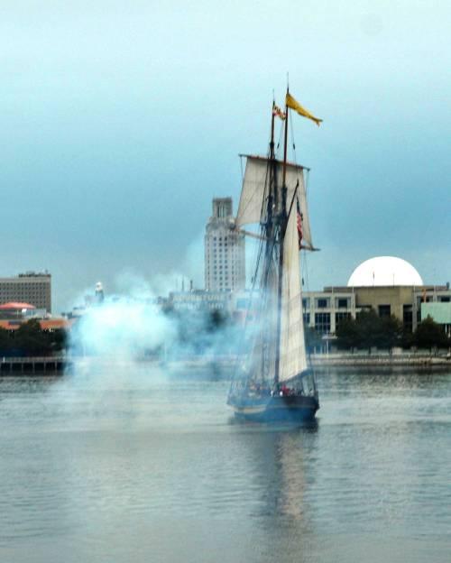 Oct 7, 2012 Old City Seaport Festival, A Pirate Battle, Cover-DSC_2318