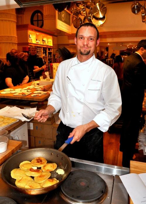 DSC_0209, Richard Hebben (NINETEEN-Executive Chef) Kabocha Squash Ravioli Filling in the Fying pan.