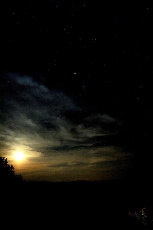 Setting-Moon-in-Vermont,-DSC_4167-UPLOAD