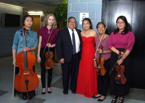 Seol-Yee Lee (Cello), Clara Bouch (Violin), councilman David Oh, Abigail Hong (Violin), Grace Wei (Violin), Juliann Schieckel (Violin)